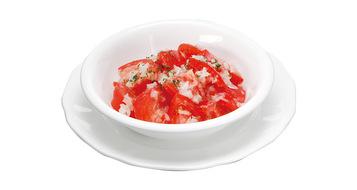 写真:トマトサラダ(玉ねぎドレッシング)※9月〜10月は販売休止